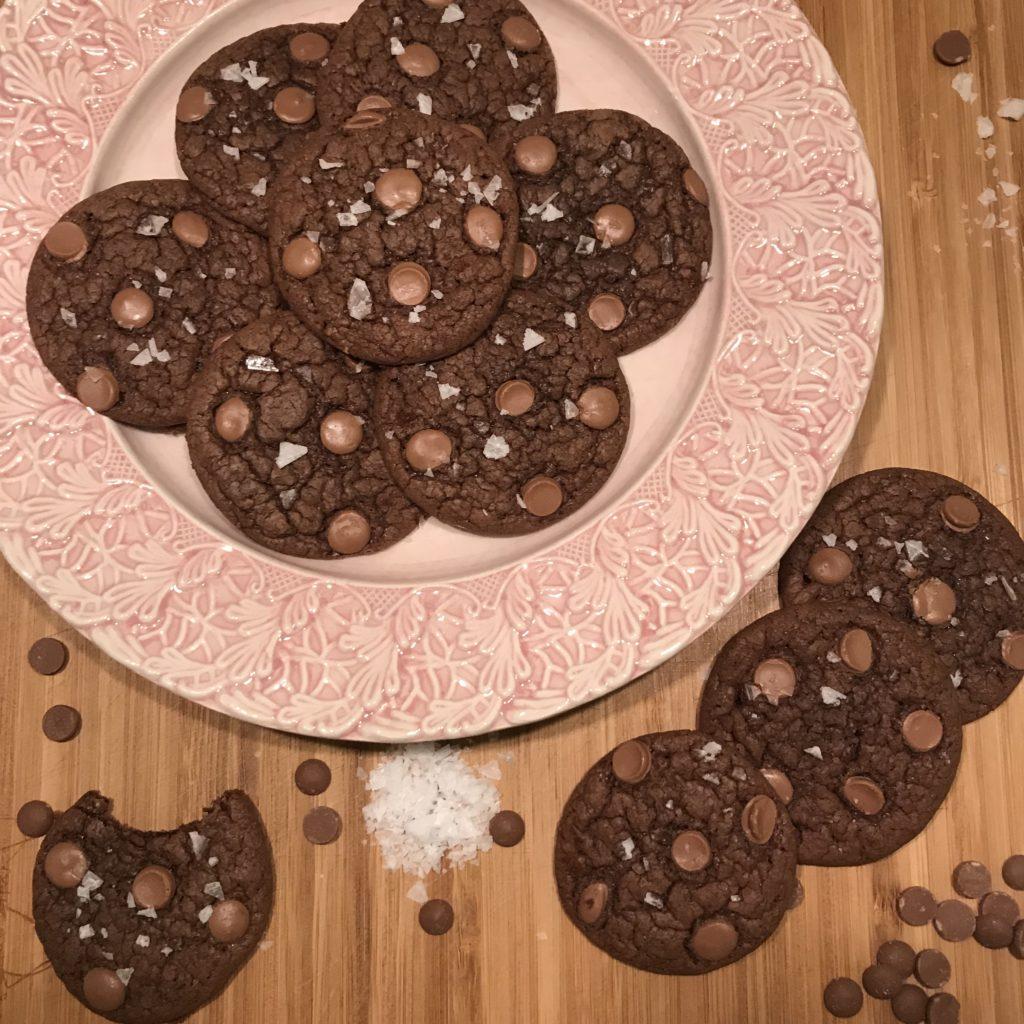 Kladdiga chokladcookies med havssalt