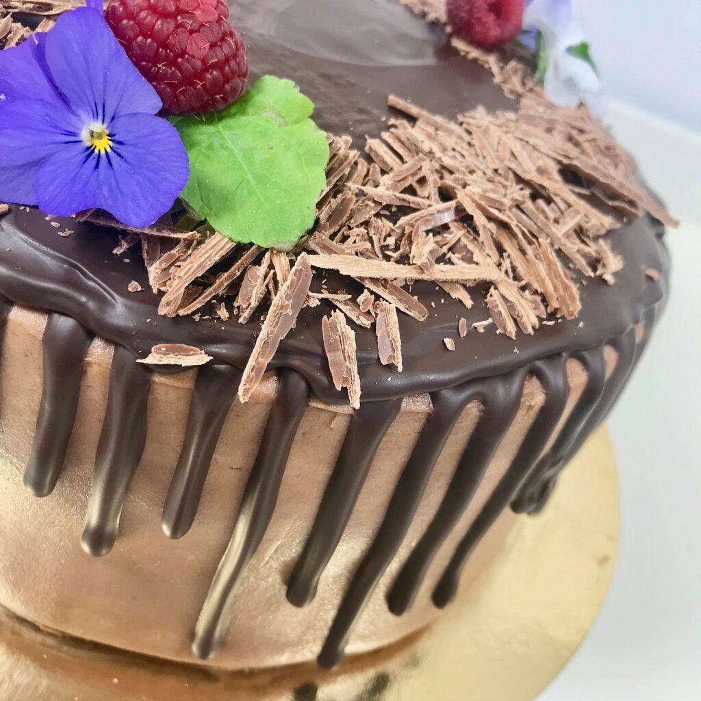 Mörk chokladtårta med kola